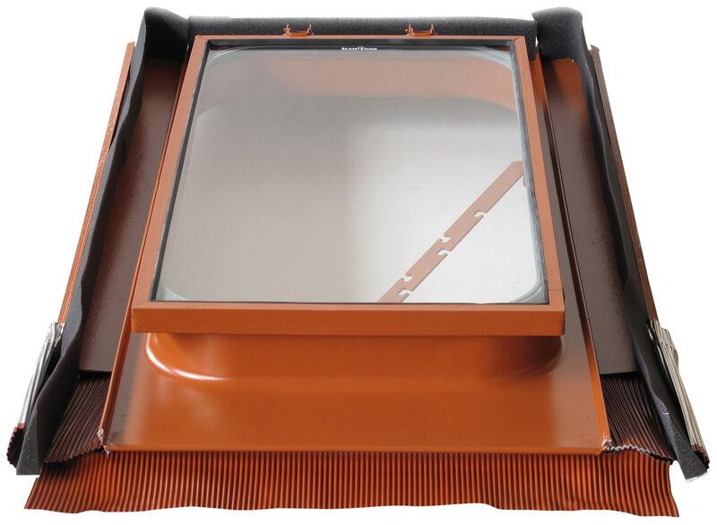 Wyłaz dachowy 45 x 55 cm z metalu z hartowanym szkłem bezpiecznym