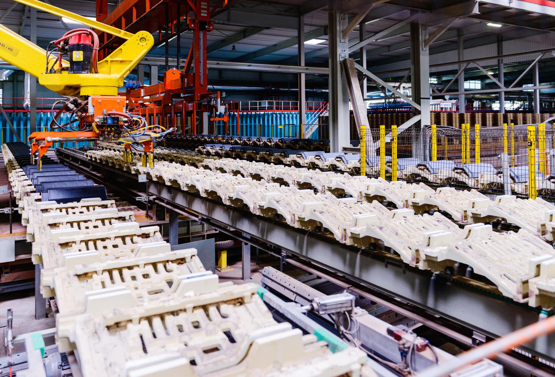 Jakiego rodzaju dachówki powstają w fabryce CREATON Polska w Widziszewie