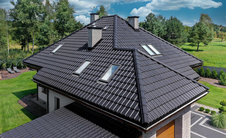 Taśma kalenicowa – istotny element spodniej wentylacji połaci dachu
