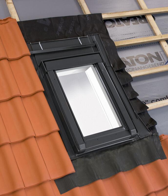 Termoizolacyjny wyłaz dachowy 55 x 78 cm